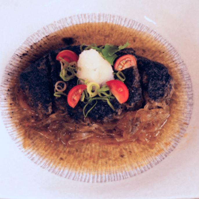 黒かつ煮(ヒレかつ)